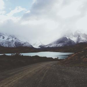 El grande viaje del Cisne Negro sobre los lagos de hielo de Irlanda